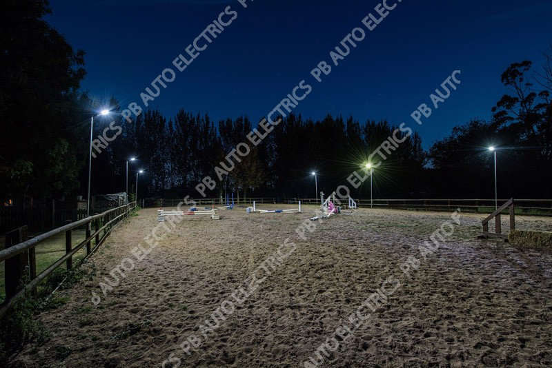 SolarMate Arena Light Riding School